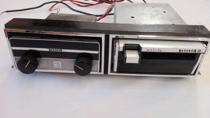 Autovox Piper rc222 car radio. With console and stereo cassette player 7 Autovox Melody model