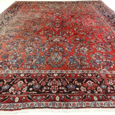 "Sarough – 325 x 242 cm – ""Eye-catcher – Large, elegantly decorated Persian rug in beautiful condition""."