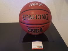 Magic Johnson authentic signed basketbal autographed
