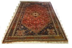 Hand-knotted semi-antique Persian carpet - Qashqai - 270 x 174 cm. Beginning of the 20th century