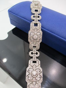 Platinum and diamond bracelet of 6.89 ct – First half of 20th century