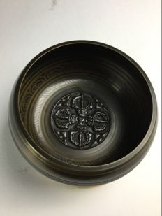Seven metal singing bowl - Nepal - Beginning of 20th century.