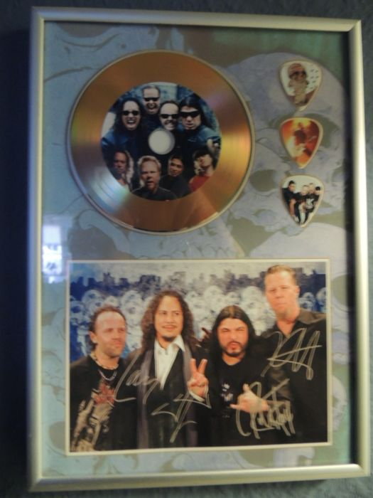 Metallica Beautiful Signed (in print) Picture Framed Plated Gold Disc Framed