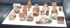 Faller/Kibri H0 - A nice collection of buildings, 20 pieces in used condition.