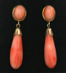 Biedermeier earrings ear studs with corals droplets earrings in 750 gold 18 kt gold salmon corals natural coral