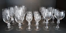 Set of 3 x 6 crystal glasses and engraved with roses
