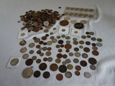 World – Batch of various coins and medals 1788/1999 (72 pieces), more than 1 kg separate, and 162 grams of silver coins.