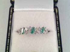 18 karat white gold ring with emeralds and diamonds, 0.60 ct, ring size 17/54