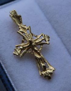 Gold cross pendant in 14 kt - Length: 2.5 x 1.2 cm