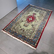Magnificent, old Ghom Persian carpet – 165 x 105 – with certificate