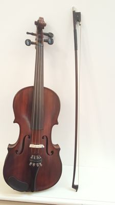 The Maidstone, Maidstone School Orchestra 3/4 violin with bow, ca 1900