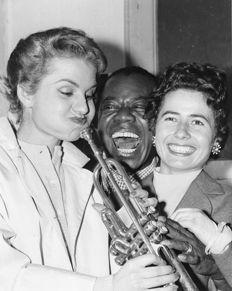 Constantin/Movie Star News - Louis Armstrong and Barbra Streisand - 1962 .