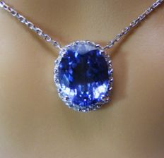 18 kt gold necklace with Diamonds and exceptional D Block IF natural tanzanite of 6.72 ct - GIA certificate - necklace length 40 cm