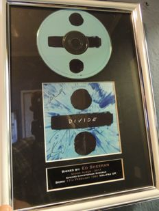 Stunning - Ed Sheeran   - Divide  - Signed Autograph (printed) Cd & Cover