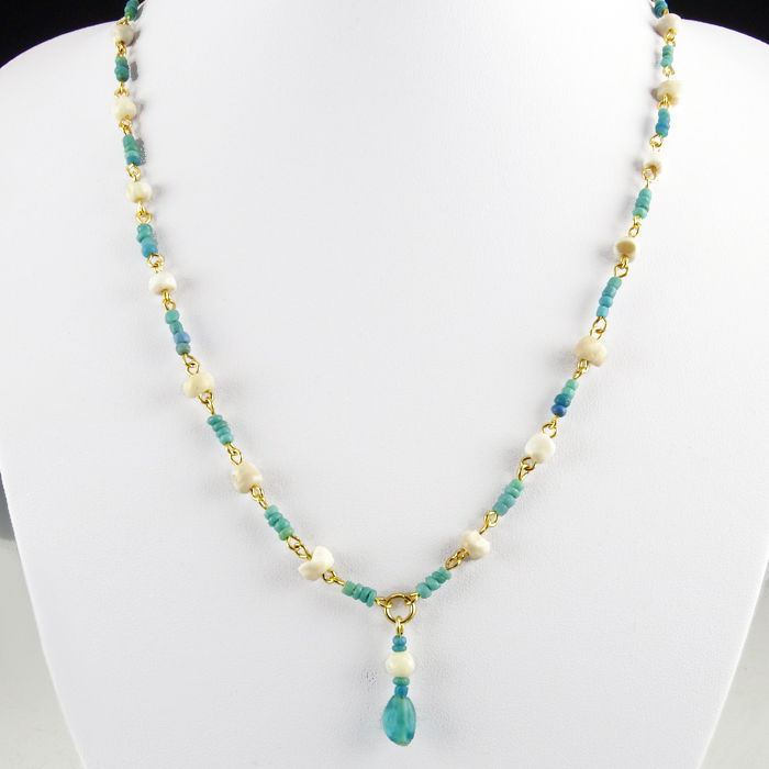 Necklace with Roman turquoise glass, shell and stone beads, including clasp - 51 cm