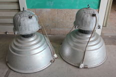 Siemens S.p.a. – Two industrial lights from 1960s