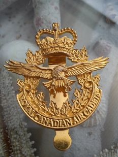 United Kingdom 'Royal Canadian Air Cadets' gold-plated medal