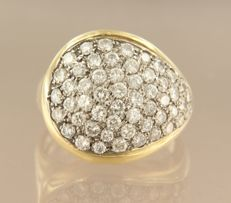 14 kt bi-colour gold ring set with 53 brilliant cut diamonds, approximately 2.50 carat - ring size 18 (56)