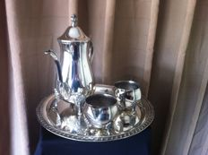 Silver plated 3 pieced coffee set of the brand Leonard USA early 70's