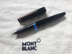 Montblanc No. 22 fountain pen-14 k gold point (M)