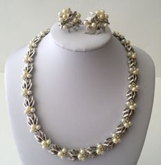 Crown TRIFARI Silver Tone Faux Pearl Necklace and Earrings