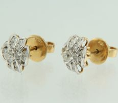 14 kt bi-colour ear studs set with 26 brilliant cut diamonds, measurements 1.0 cm x 9.0 mm wide ***NO RESERVE PRICE***