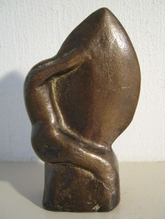 Abstract bronze sculpture - numbered 475