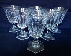 6 Baccarat red wine glasses in cut crystal - ca. 1840