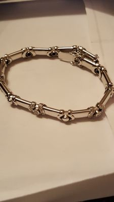 White gold bracelet with diamonds, from 1970s
