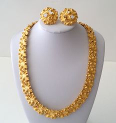 Crown TRIFARI Gold Plated Leaf Necklace and Earrings