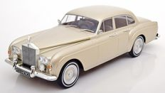 Modelcar Group - Scale 1/18 -  Rolls Royce Silver Cloud III Flying Spur H - Gold