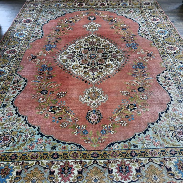 Superior antique XL Persian Tabriz rug – 340 x 250 – unique design – with certificate