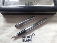 MONTBLANC Meisterstück Solitaire - 18 k gold point (B) - including box