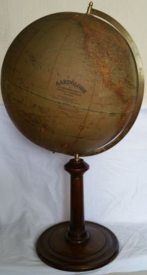 Old and rare earth globe H.A.Kramers & Zoon's