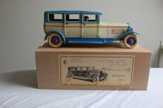 DBS, Germany - Length: 33 cm - tin wind-up limousine Baron 540, 90s