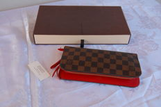 Louis Vuitton – Men's wallet