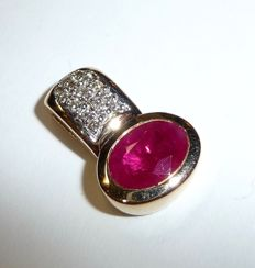 Pendant – 585 / 14 kt gold – with blood-red ruby 1 ct + 15 diamonds