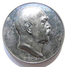 German Empire - Silver Medal 1915 by P. Sturm/Grünthal commemorating to the 100th Birthday of Otto von Bismarck, 1. April 1815 Creator of the German Reich