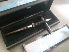 MONTBLANC fountain pen-14 k gold point (BB) 221-in original box and papers