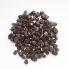 Lot of rough Red Garnet - 400.00 ct