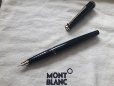 Montblanc No. 221 fountain pen-14 k gold point (B)