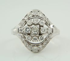 14 kt white gold ring set with 25 brilliant cut diamonds of approx. 1.00 ct in total, ring size 21 (65) ***no reserve price***