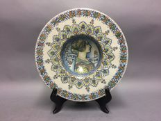 Majolica - Antonio Margaritelli - Very large plate with a classic depiction - 33 cm