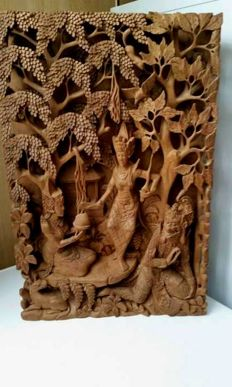 Woodcarving ¨Rama and Sita in the forest¨ three-dimensional panel - Bali - Indonesia