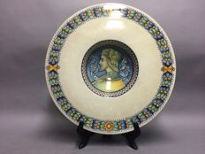 Majolica - Antonio Margaritelli - Very large plate with a classic depiction - 45 cm