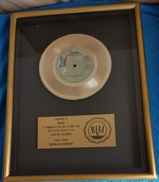 Queen - Bohemian Rhapsody Official RIAA Award Presented to Queen
