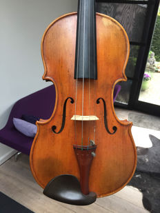 Old German violin, 1930-1950