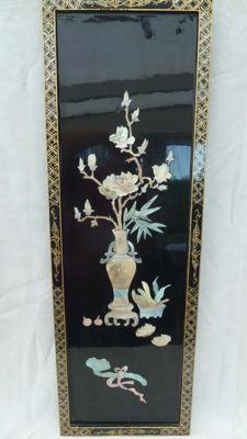 Panel with vase and flowers in mother of pearl - China - second half 20th century