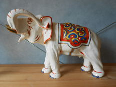 Royal Dux - Grote olifant in Art Deco stijl
