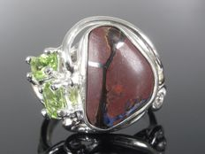 Silver ring with opal peridot from the 1970s